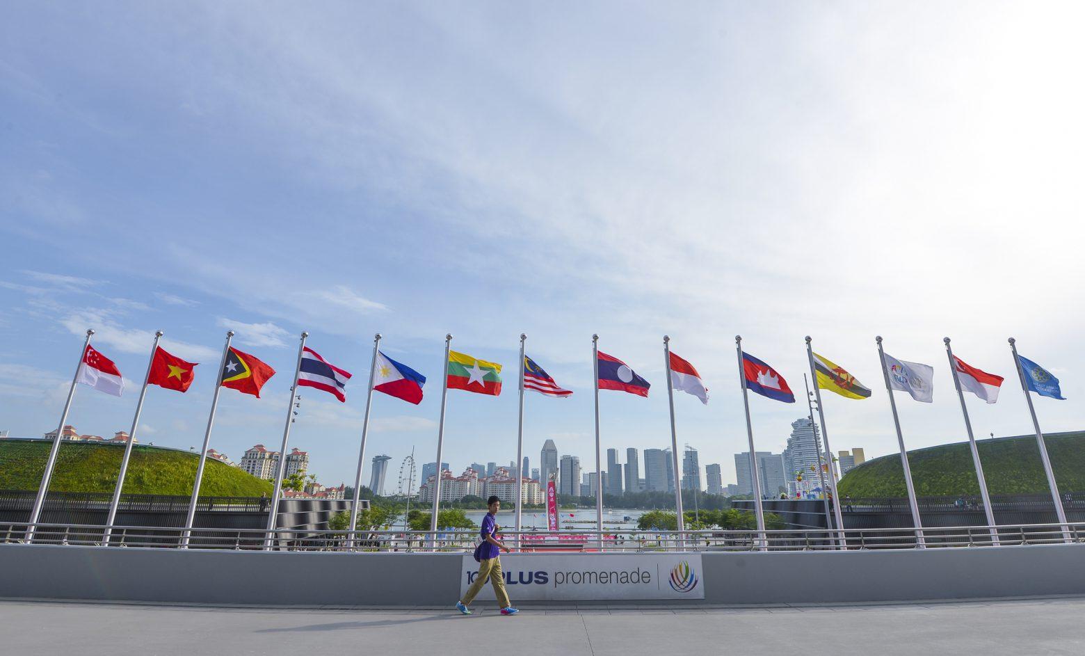 ASEAN各国の事業報告会